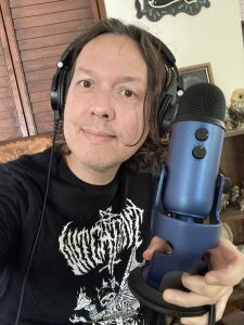 Dave Hill with his microphone